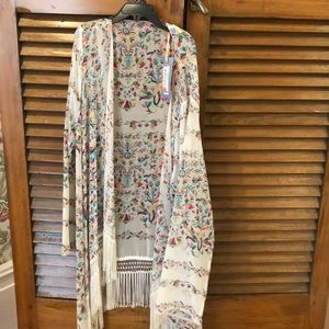 New with tags Chelsea and Violet Kimono Size L